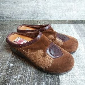 LUCKY BRAND Patch Suede Peace Sign Clog Sandal 8.5